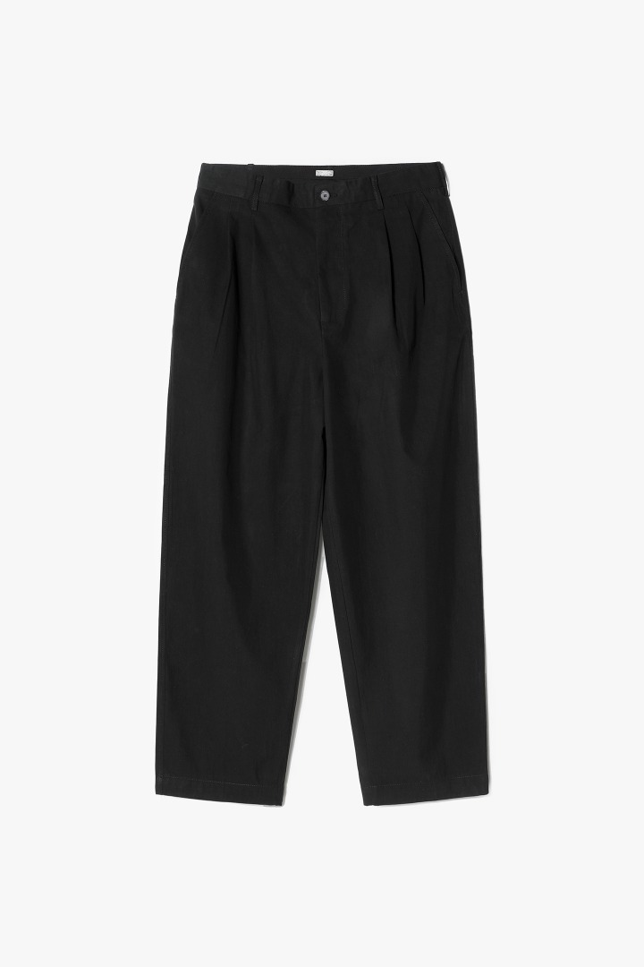Two-tuck Wide Pants - Black